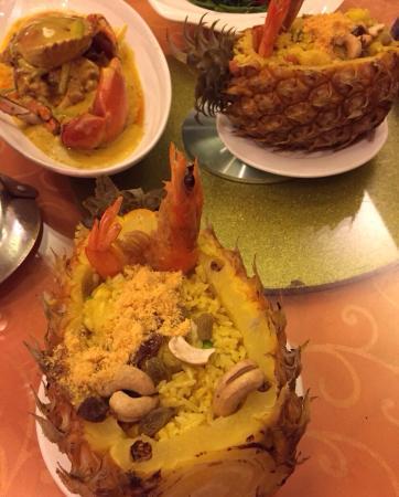 JiaoYe BeiJing ( Sanlitun Dian ): 美味的菠萝饭