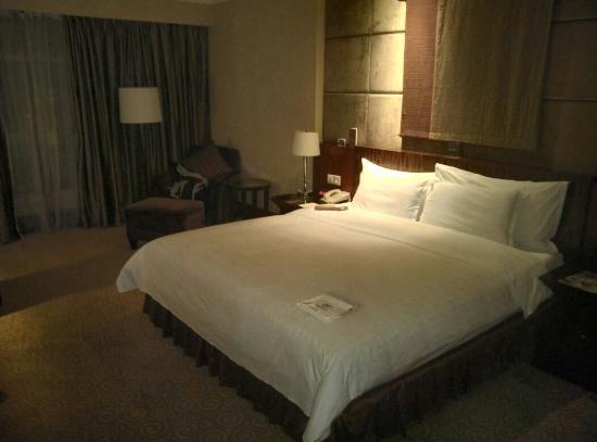 Sheraton Dongguan Hotel: 豪华大床房