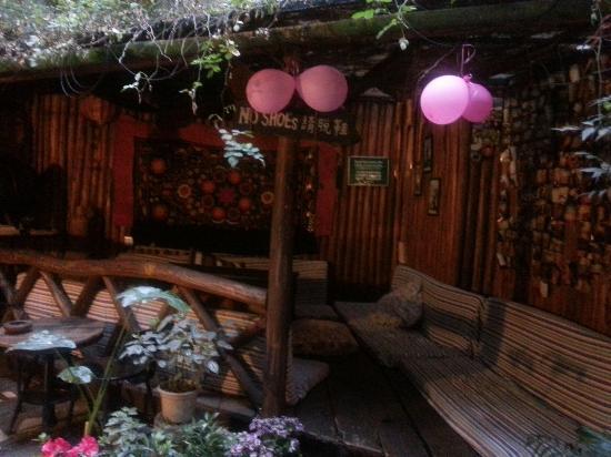 Chengdu Mix Hostel Courtyard Poshpacker (Wenshu Monastery): 旅舍的小花园