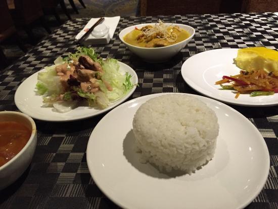 Qiushuishan Grand Hotel: 自助餐
