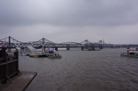 Yalu River Bridge: 鸭绿江大桥