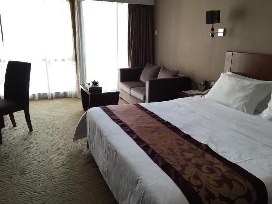 Peng Wei Hotel: 高级大床房