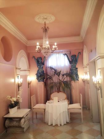 Hotel Opera: v
