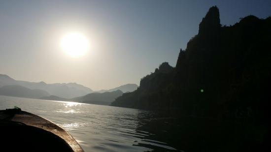 Yi County South Lake: 非常美丽的小桂林