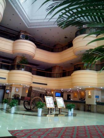 Jiali International Hotel: 高达的酒店大堂