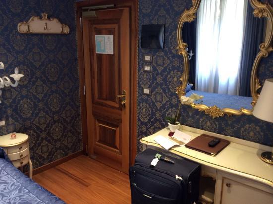 Santa Marina Hotel: image