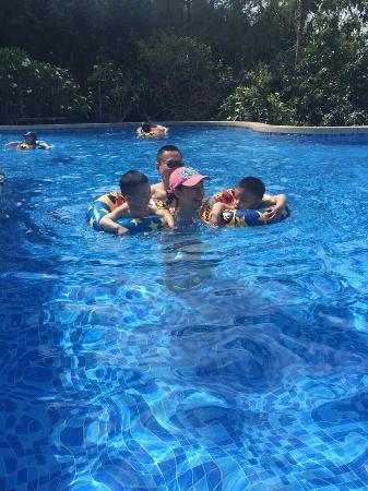Serenity Coast Resort Sanya: swimming pool