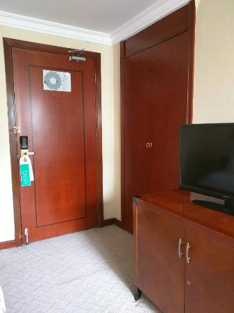 Charms Hotel: 双人床