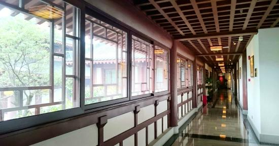 The Mahayana OCT Boutique Hotel: 走廊