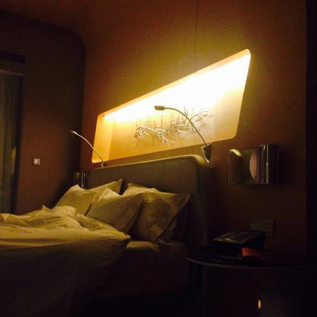 Wyndham Grand Qingdao: 床头设计
