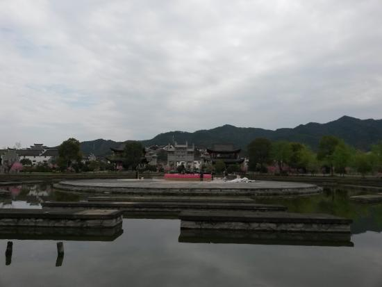 Hengdian Riverside Scene at the Pure Moon Festival: 横店