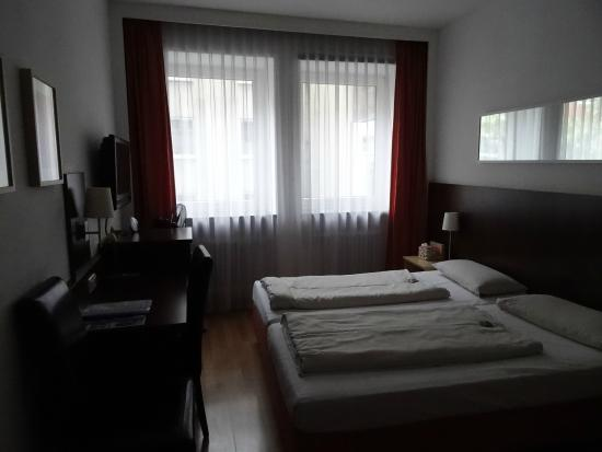 Hotel Italia: 双人间