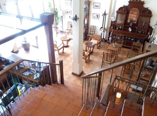 Siamese Views Lodge: 大堂二人座位的餐厅