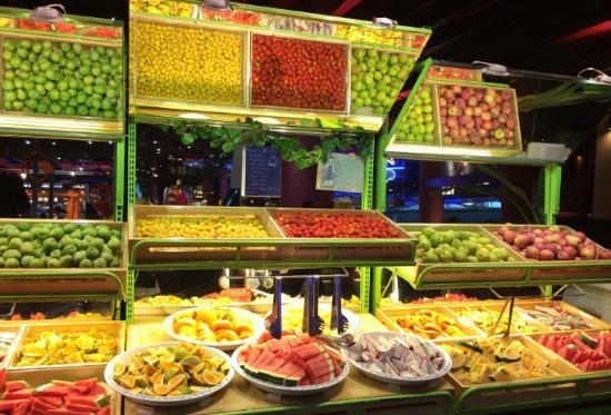 GuangZhou SiHaiYiJia (YingBin Road Dian) : 水果区