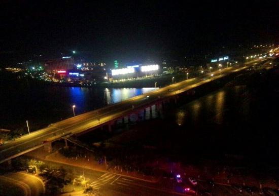 Newyantai Hotel Hainan : 酒店夜景