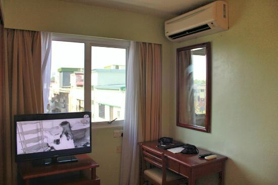 Winner Hotel: 房間化妝桌
