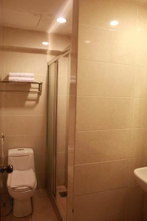 Winner Hotel: 廁所