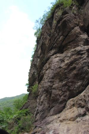 Shuanglong Gorge: 山