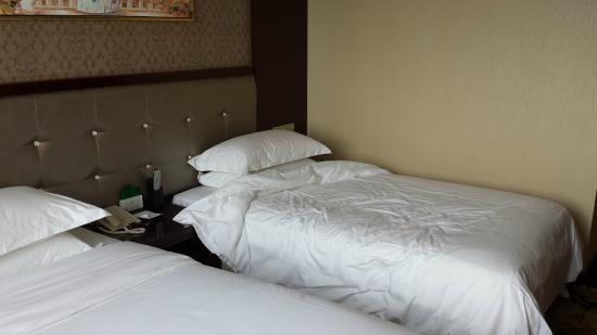 Junlal Hotel: 1