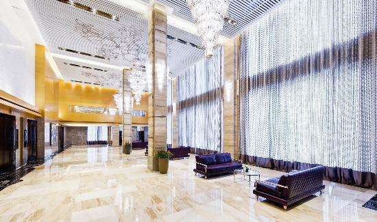 Four Points by Sheraton Hotel: Grand Ballroom Foyer