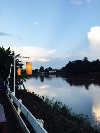 Tha Nam Phu Lae