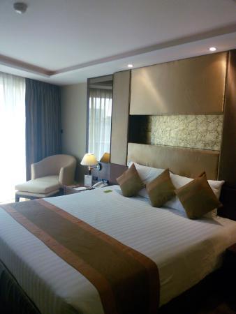 The Nova Gold Hotel Pattaya: 房间陈设