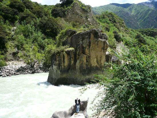 Niyang River: 美丽的尼洋曲