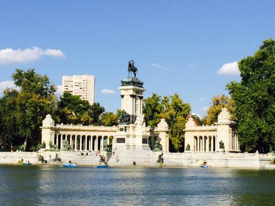 雷蒂罗公园 (Parque del Retiro) - Picture of Retiro Park (Parque del Retiro), Madri...