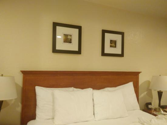 Comfort Inn Monterey by the Sea: 床