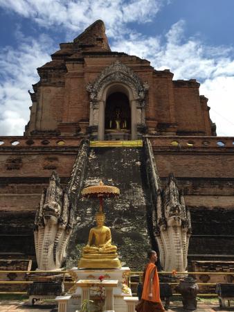 非常值得一去,很宁静安详 - Picture of Wat Chedi Luang Varavihara ...