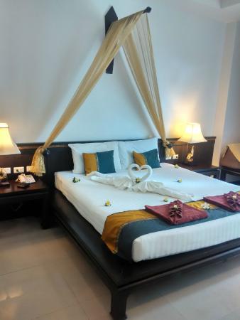Baan Karonburi Resort: 蜜月床