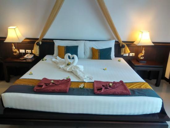 Baan Karonburi Resort: 床品