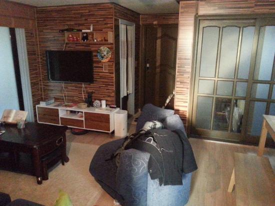 Dustin Guest House: 共用的客厅