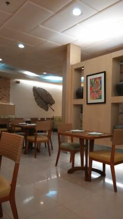Cafe Laguna: 餐厅环境很棒