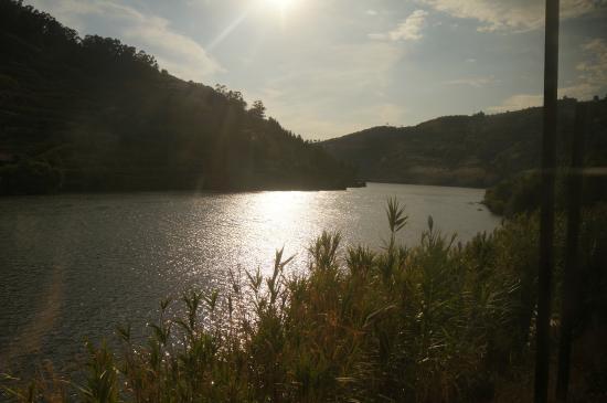Duruelo de la Sierra, Spanien: 夕阳下的杜罗河