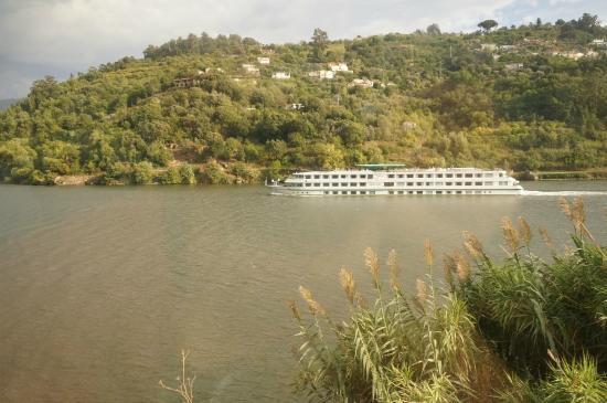 Duruelo de la Sierra, Spania: 河上的游船