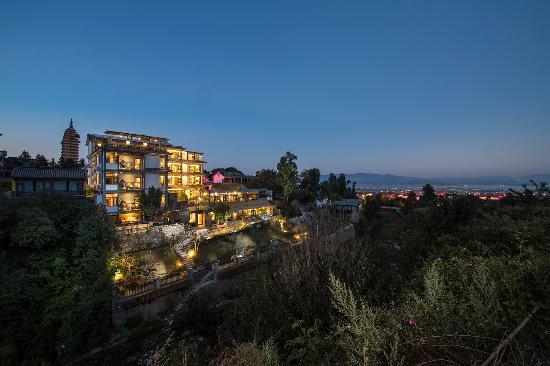 Dali Valley Resort