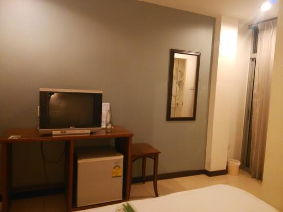 JL Bangkok: 电视机该换成LED的啦