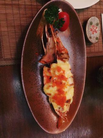 Taizhou, จีน: 摆盘很漂亮,但是味道还需改善。