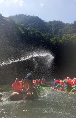 Yongshun County, China: 猛洞河漂流