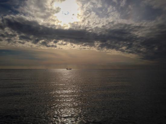 Xingcheng Seaside: 宁静的海面