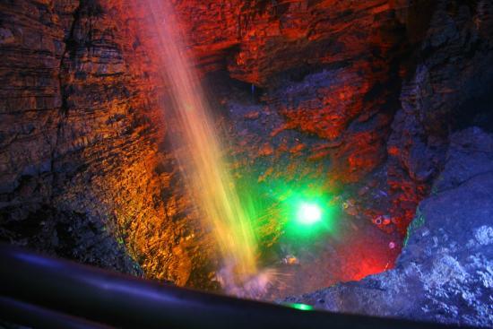 Miyi Longtan Limestone Cave: 洞内瀑布