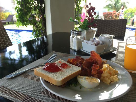 Hotel Soffia Boracay: 早餐