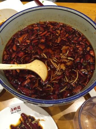 Spicy Fish Restaurant: 味道还可以,有些辣味……