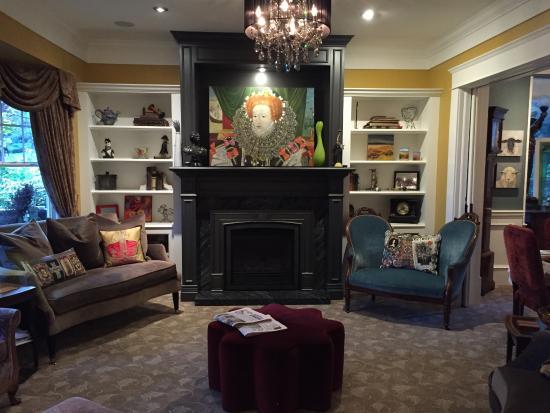 West End Guest House: 宾馆的公共休息区