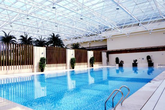Ji County, China: 室内游泳池