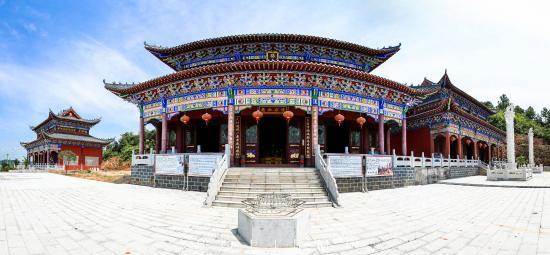 Zhangshu, China: 灵宝崇真观内