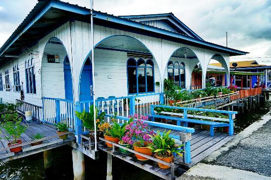 水上人家 - Picture of Kampong Ayer - Venice of East, Bandar ...