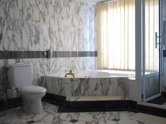 Century Langkasuka Resort: 浴室