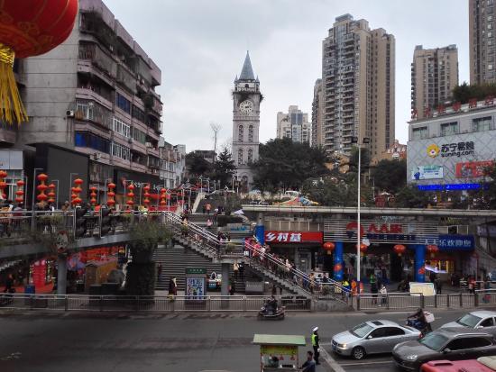 SiChuanSheng LuZhouShi ZhongLou MingDianJie BuXingJie: 钟楼步行街